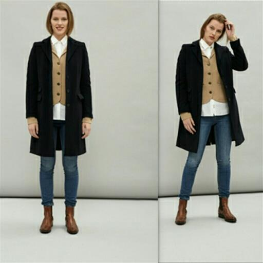 Marinblå ull paleteau från Newhouse