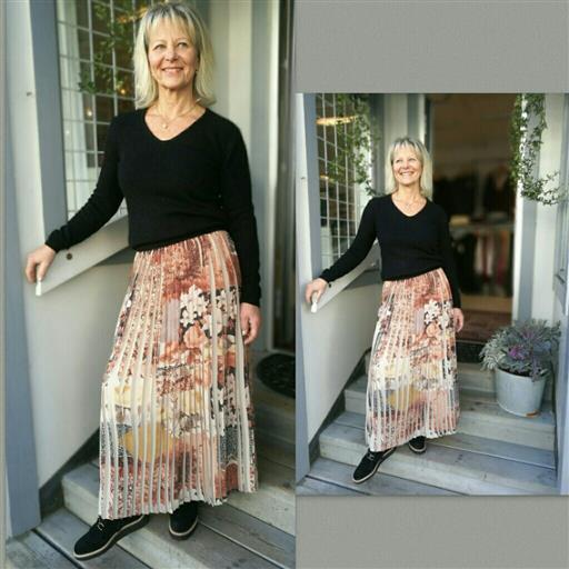 Plisserad kjol från 2-biz