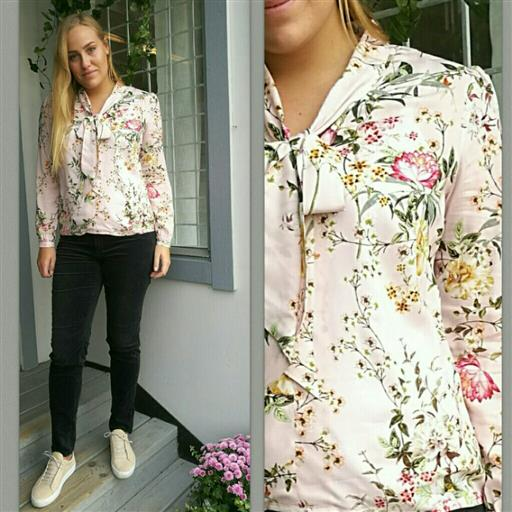 Rose blouse från Newhouse