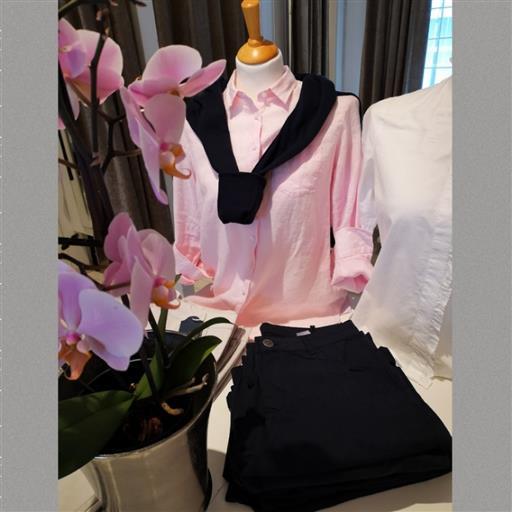 Rosa linneskjorta från Newhouse