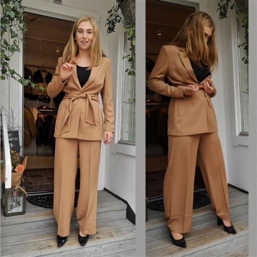 Wox kostym från Inwear